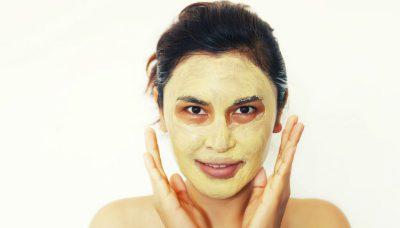 proprietà e benefici per il viso della maschera alla curcuma
